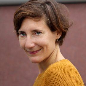 """14.8.2019  Lesung Julia Trompeter (Köln) mit ihrer Neuerscheinung """"Frühling in Utrecht"""" anschließend Autorengespräch"""